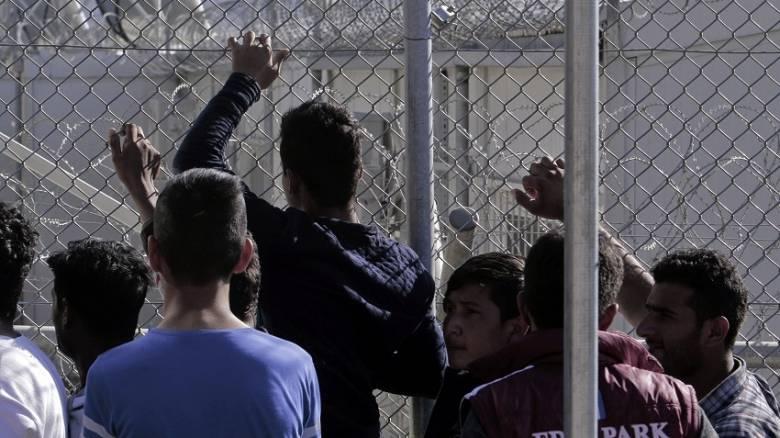 Ασφυκτικές και εκρηκτικές οι συνθήκες στα κέντρα κράτησης προσφύγων