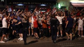 """EURO 2016: """"ιπτάμενες καρέκλες"""" και άγριο ξύλο στην Μασσαλία από Άγγλους χούλιγκανς"""
