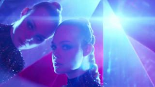 Bαμπίρ και μόδα στην ταινία-σοκ «The Neon Demon»