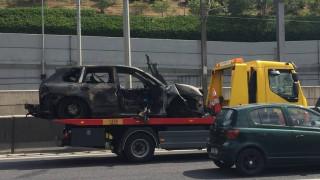 Αυτοψία στο σημείο της Αττικής οδού όπου έπιασε φωτιά το όχημα του Π. Μαυρίκου