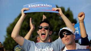 Χάνει ο Σάντερς το προεδρικό χρίσμα, κερδίζει το πολιτικό μομέντουμ