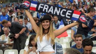 EURO 2016: έκλεψαν την παράσταση στις κερκίδες