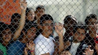 Ύπατη Αρμοστεία: «Ζώνες υποχρεωτικού εγκλεισμού» τα κέντρα κράτησης