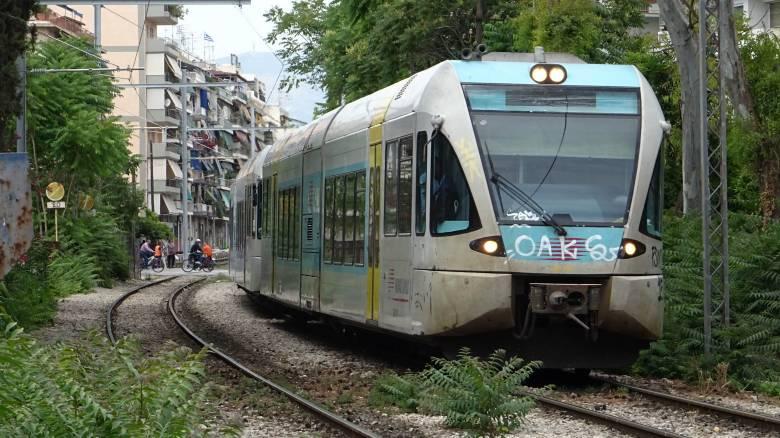 Επαναλαμβανόμενες στάσεις εργασίας σε τρένα και προαστιακό από Τρίτη