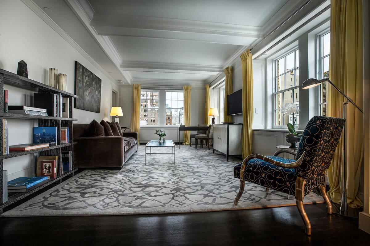 Mark Premier Two Bedroom Suite Living Room 2000x1333