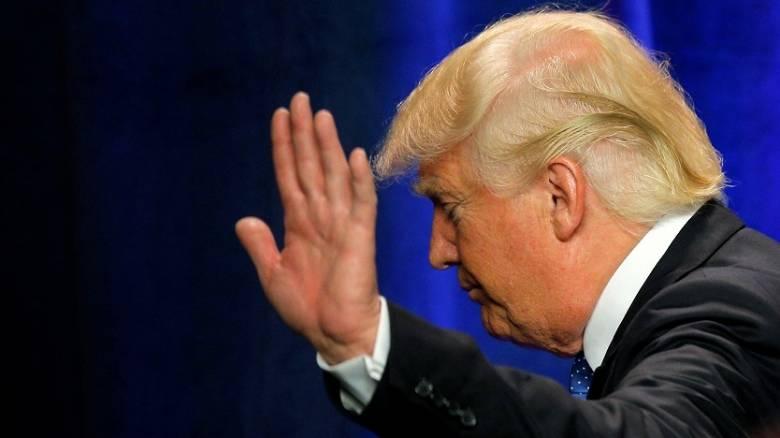 O Ντόναλντ Τραμπ ανακαλεί τις διαπιστεύσεις δημοσιογράφων της Washington Post