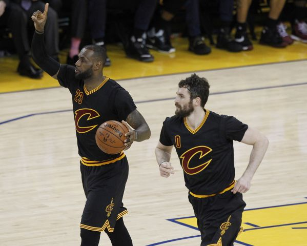 2016 06 14T031005Z 1905614583 NOCID RTRMADP 3 NBA FINALS CLEVELAND CAVALIERS AT GOLDEN STATE WARRIORS