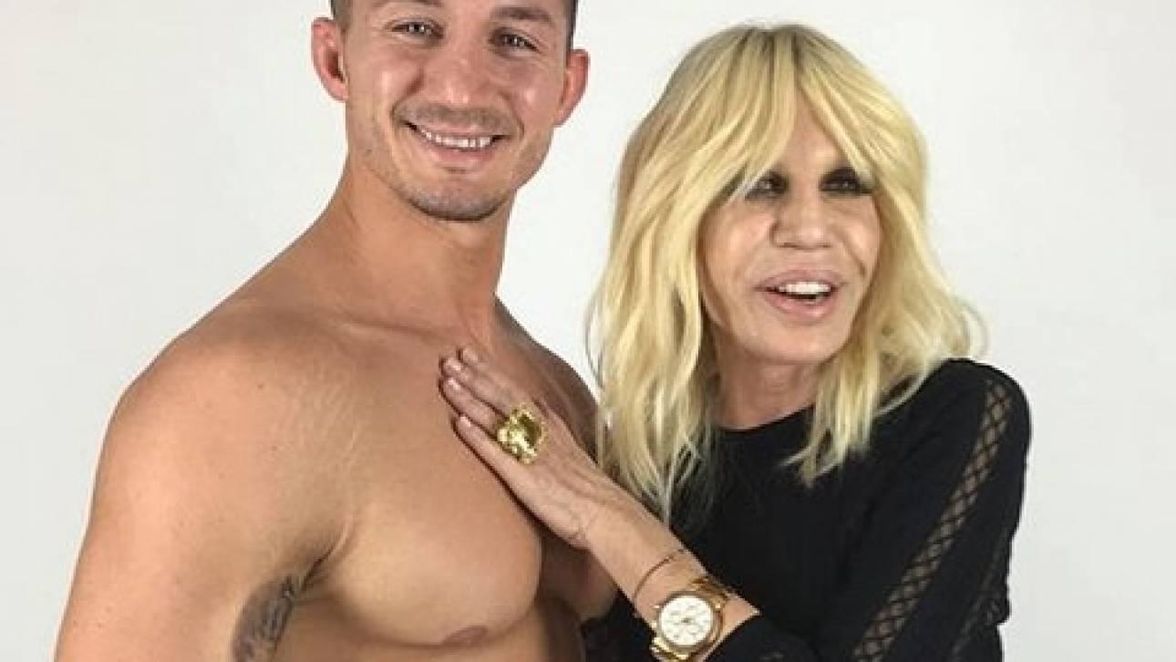 Η Donatella Versace είναι έτοιμη για την εβδομάδα μόδας