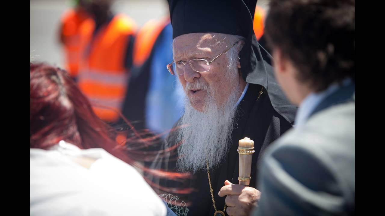 https://cdn.cnngreece.gr/media/news/2016/06/15/35836/photos/snapshot/Greece_Hawkey_HGC_arrival_Bartholemew_0407.jpg