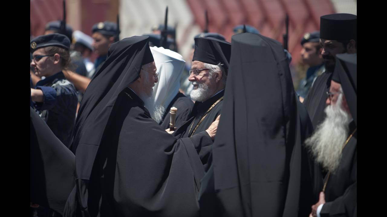 https://cdn.cnngreece.gr/media/news/2016/06/15/35836/photos/snapshot/Greece_Hawkey_HGC_arrival_Bartholemew_0432.jpg