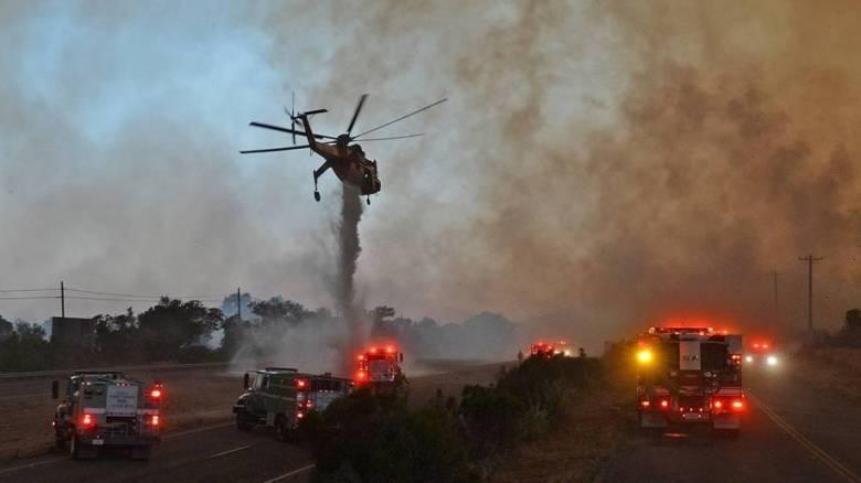 Πυρκαγιές στην Καλιφόρνια: Εκατοντάδες υποχρεώθηκαν να εγκαταλείψουν τα σπίτια τους