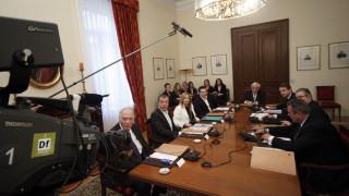 Απλή αναλογική, κατάργηση μπόνους και ψήφο στα 17 προτείνει ο Τσίπρας