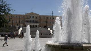 40άρια σε όλη τη χώρα - Αδειάζει η Αθήνα, γεμίζουν οι παραλίες