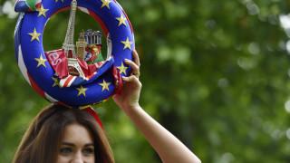 Δημοψήφισμα Βρετανία: Ξεκίνησαν και πάλι οι εκστρατείες των αντίπαλων στρατοπέδων