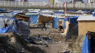 Επεισόδια μεταξύ μεταναστών και αστυνομίας στο Καλαί