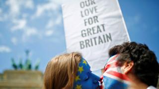 Λονδίνο: Ο Μ.Κοσμίδης, δημ/φος, για το δημοψήφισμα, τις εξελίξεις, τα στοιχήματα (vid)
