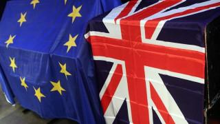 Ξανά μπροστά το Brexit με διαφορά μίας μονάδας