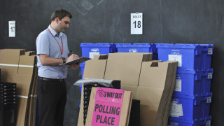 «Τρέμουν» οι Βρυξέλες το ενδεχόμενο Βrexit- Η δημοσιογράφος Έφη Κουτσοκώστα μεταδίδει