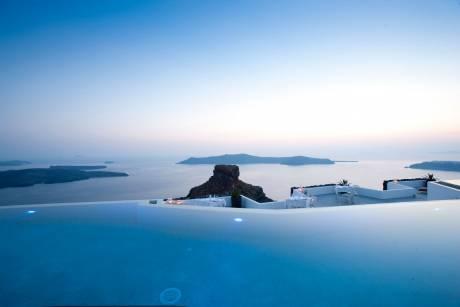 Ευκαιρίες, κίνδυνοι και προκλήσεις για τον ελληνικό τουρισμό