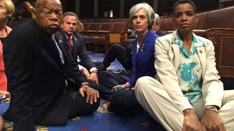 ΗΠΑ: Τέλος η καθιστική διαμαρτυρία των Δημοκρατικών