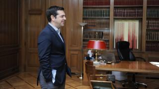 Τι ζητάνε από τον Αλέξη Τσίπρα τα κόμματα για τον εκλογικό νόμο