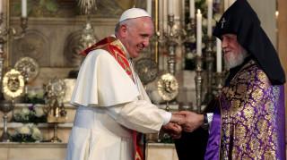 Ο Πάπας καυτηρίασε για άλλη μια φορά τη γενοκτονία των Αρμενίων (pics)