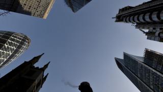 Ο οίκος Moody's απειλεί με υποβάθμιση το αξιόχρεο της Μ. Βρετανίας