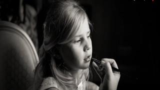 Η εννιάχρονη φωτογράφος που έχει καταπλήξει