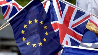 Επιτροπή Συντηρητικών: Η Βρετανία να διαπραγματευτεί το Brexit πριν γίνουν εκλογές