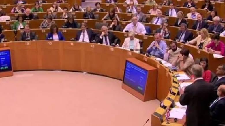 Φάρατζ στο Ευρωκοινοβούλιο: Κάποιοι εδώ μέσα δεν έχουν δουλέψει ποτέ τους (vid)