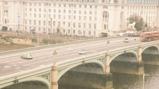 Συναγερμός στο Λονδίνο εξαιτίας εγκαταλελειμμένου οχήματος κοντά στο Κοινοβούλιο