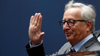 Γιούνκερ: Δεν θα αναμειχθούμε στις βρετανικές διαδικασίες