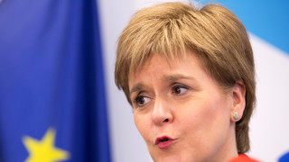 «Ενθαρρυμένη» από τις επαφές της στις Βρυξέλλες δηλώσε η πρωθυπουργός της Σκωτίας