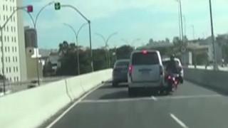 Τρομακτικό τροχαίο: Τον χτύπησε αυτοκίνητο και έπεσε από γέφυρα