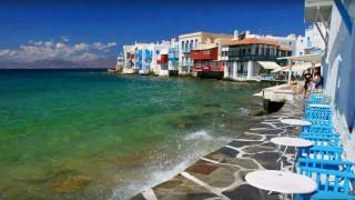 Forbes: Τα ελληνικά νησιά επιλέγουν οι jet setters για το Καλοκαίρι