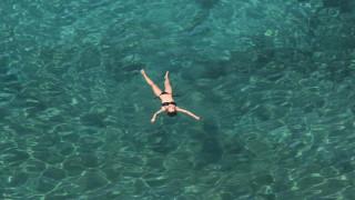 Οι 10 παραλίες της Αττικής που θα απολαύσεις δωρεάν το μπάνιο σου