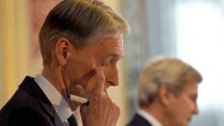 Ο Φίλιπ Χάμοντ στηρίζει την Τερέζα Μέι για την πρωθυπουργία