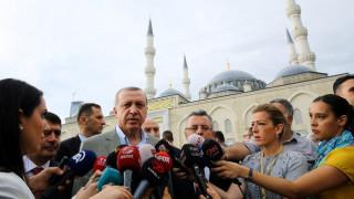 Ο Ερντογάν προσφέρει τουρκική υπηκοότητα σε σύρους πρόσφυγες