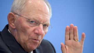Σόιμπλε: Το Brexit δεν έχει επηρεάσει μέχρι στιγμής τη γερμανική οικονομία