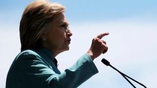 Καμία πρόσβαση σε απόρρητες πληροφορίες για τη Χίλαρι Κλίντον