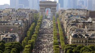 Στο Παρίσι παίρνουν μέτρα για τον περιορισμό της ρύπανσης από τα παλιά αυτοκίνητα