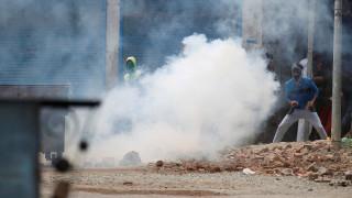 Βίαιες συγκρούσεις με νεκρούς μεταξύ διαδηλωτών και δυνάμεων ασφαλείας στην Ινδία