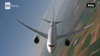 Θεαματικοί ελιγμοί στον αέρα από ένα… Boeing