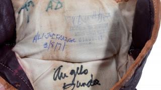 H «αναμέτρηση του αιώνα» Μοχάμεντ Άλι - Τζο Φρέιζιερ στο σφυρί