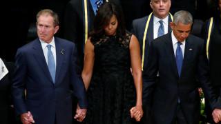 Φόρος τιμής από Ομπάμα και Μπους για τους πέντε αστυνομικούς του Ντάλας