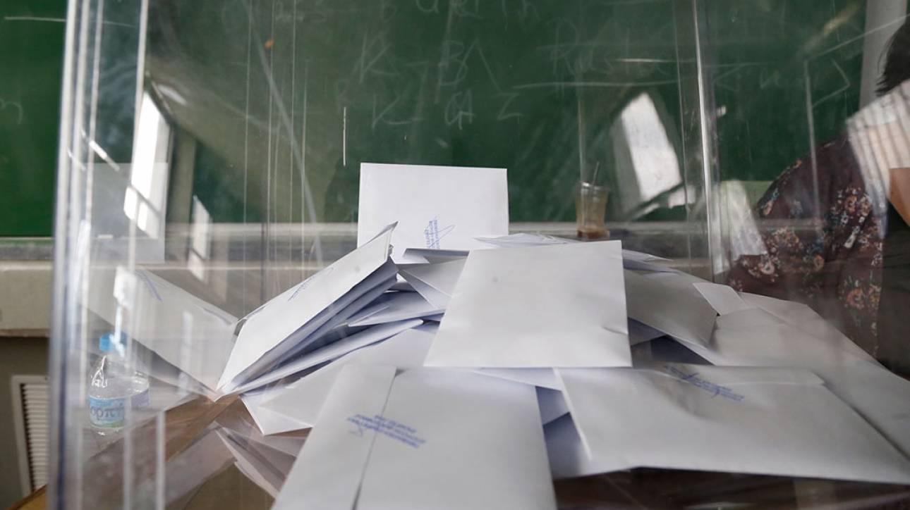 Η απλή αναλογική οδηγεί σε κυβέρνηση ΣΥΡΙΖΑ-ΝΔ