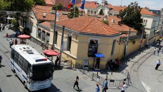 Έκλεισαν η γαλλική πρεσβεία και το προξενείο στην Τουρκία