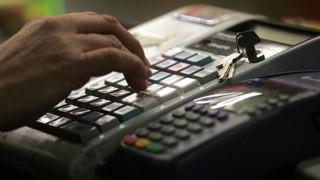 Πρόστιμο έως 20.000 σε όποιον «πειράζει» ταμειακή μηχανή
