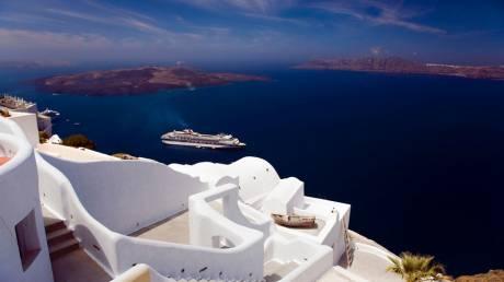 Trivago: Χανιά και Σαντορίνη οι αγαπημένοι προορισμοί των Ελλήνων για το 2016