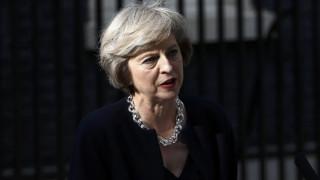 Η Μέι ζητά χρόνο για τις διαπραγματεύσεις του Brexit